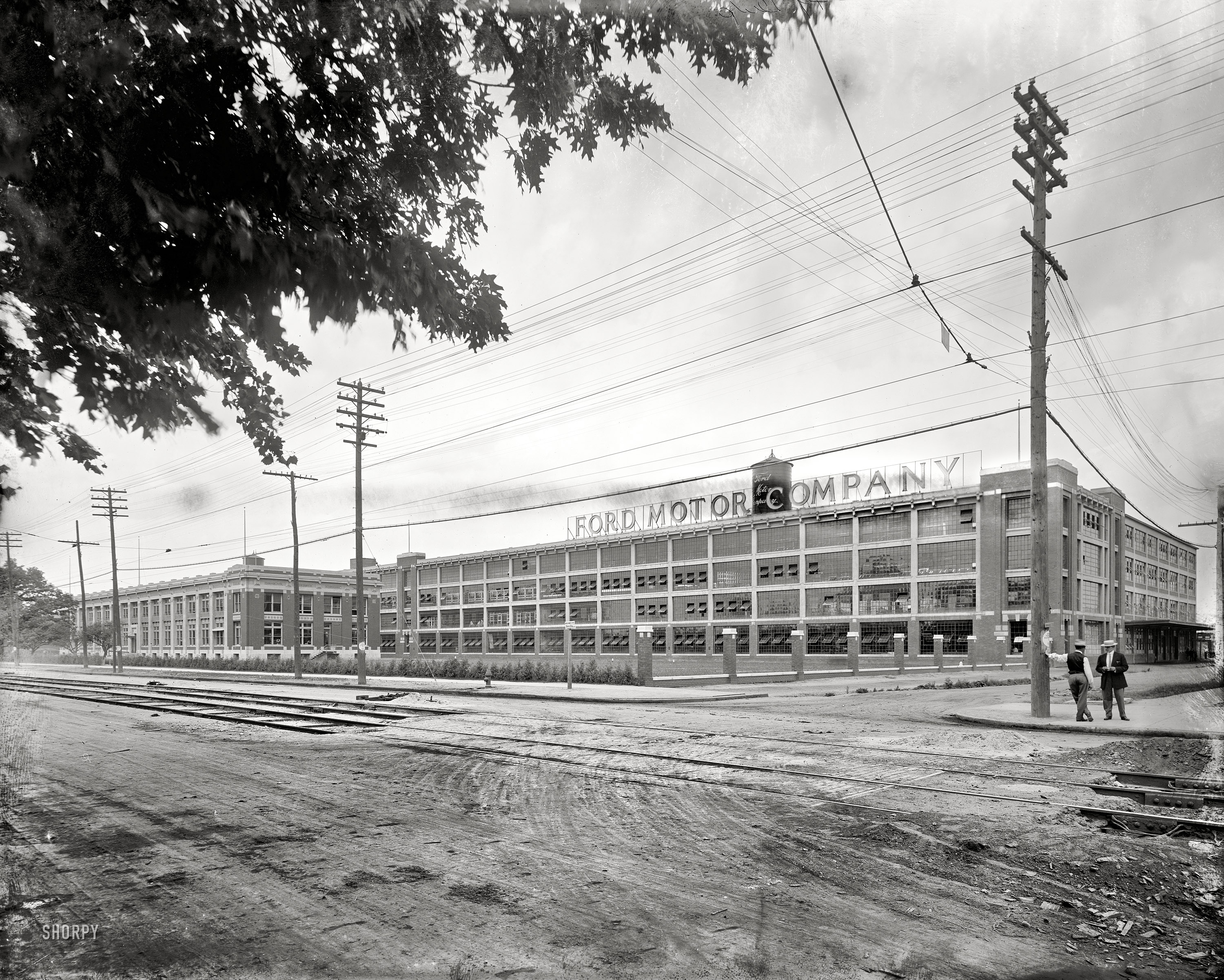 Shorpy Saturday Ford Motor Company 1910 The Woodward