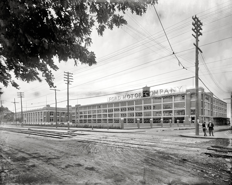 Shorpy saturday ford motor company 1910 the woodward for Ford motor company wayne mi