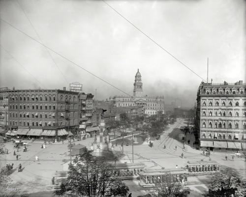 Cadillac Square - 1902